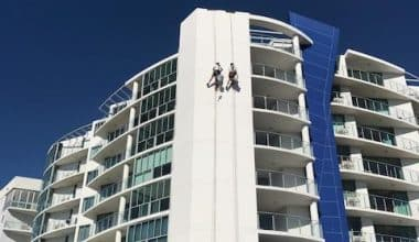 Commercial Painter Brisbane - Abseiling